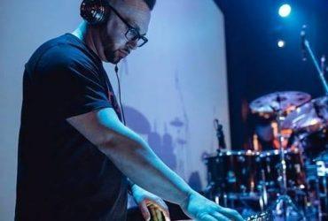 DJ DOVLA